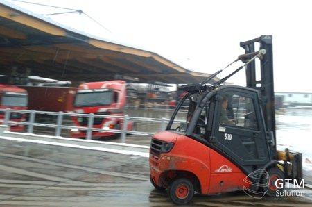 Подготовка сборных грузов для перевозки в Россию и Украину.
